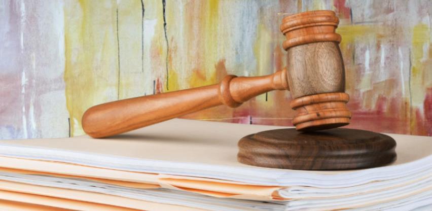 Odluka o prijevremenom stupanju na snagu Zakona o notarskoj službi u Republici Srpskoj