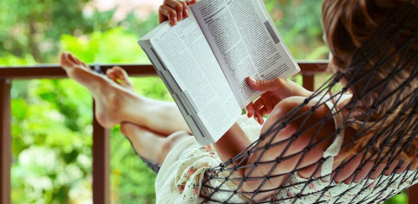 Ljudi koji čitaju knjige žive duže