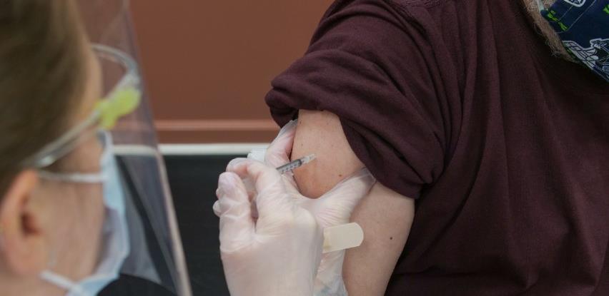 AstraZeneca će isporučiti Uniji 30 posto vakcina više