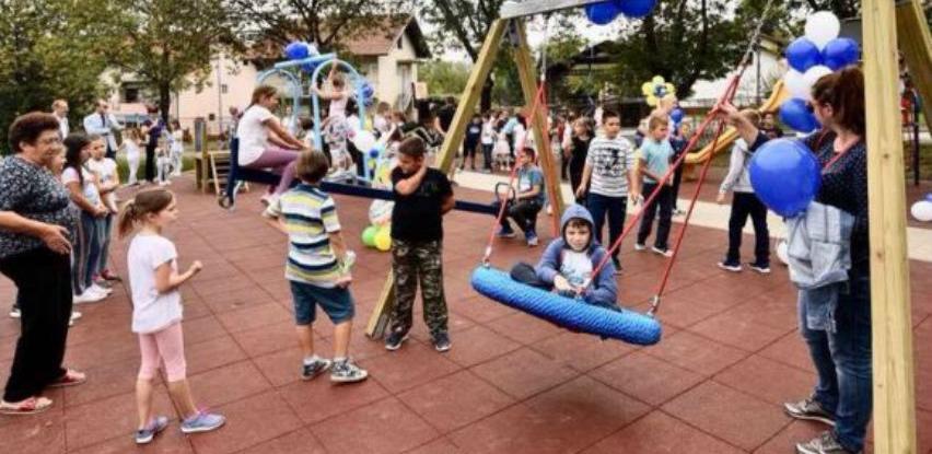 Otvoreno dječije igralište u naselju Lazarevo