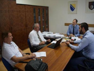Nenadić i poslodavci razgovarali o tekstu zakona o državnoj službi u KS-u