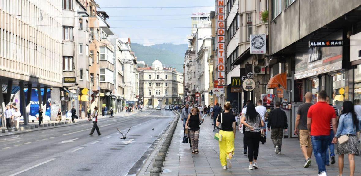 Naredne sedmice početak radova na iluminaciji dijela ulica Titova i Ferhadija