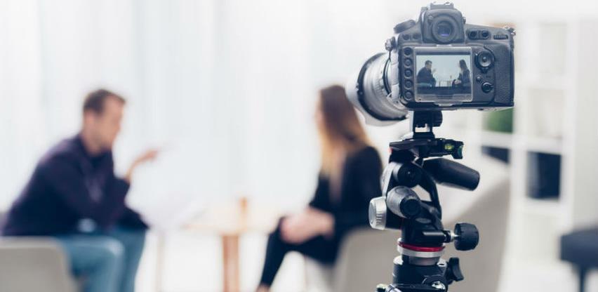 Javni nastupi, odnosi s medijima i moć uvjeravanja publike