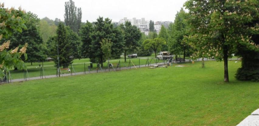 Općina Centar: Započelo uređenje parka za pse
