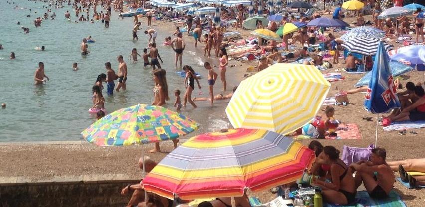 Najviše novooboljelih u turističkim mjestima: Crna Gora uvodi strožije mjere
