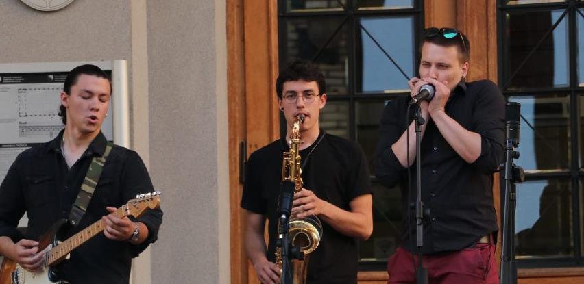 """Projekt """"Muzika na ulici"""": Uživajte u koncertima klasike, pop-a i jazz-a mladih muzičara"""