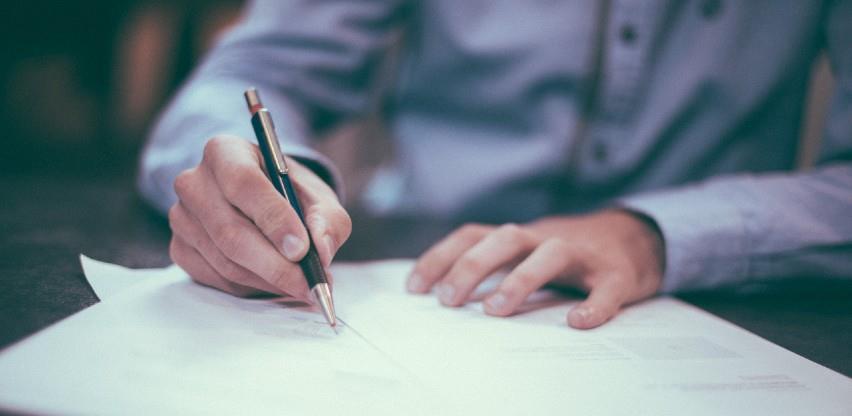 U Federaciji BiH sa 27. septembrom 2021. bilo 530.968 zaposlenih