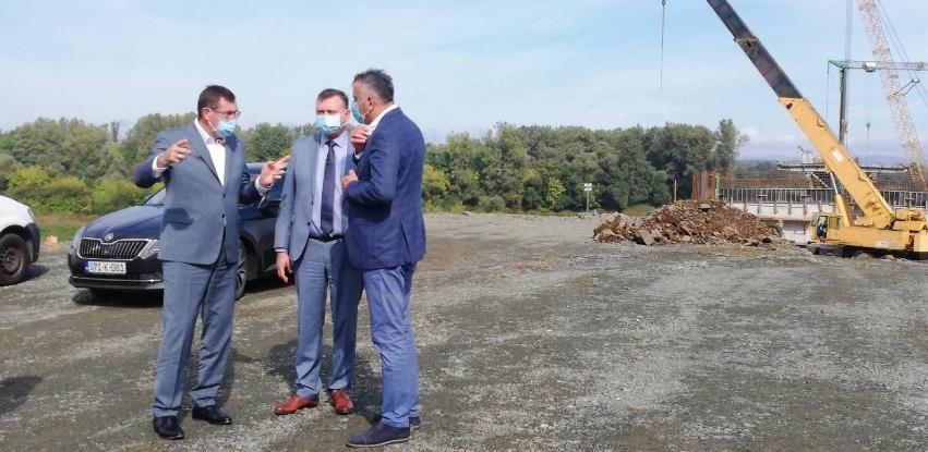 Mitrović obišao gradilište mosta na Savi kod Bosanske Gradiške