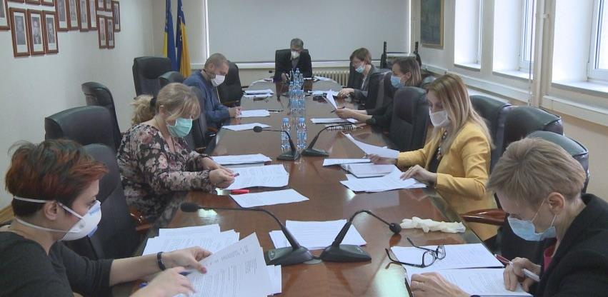 Grad Tuzla izdvaja preko 2 miliona KM za borbu protiv pandemije