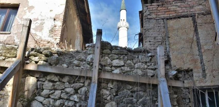 Počela sanacija oštećenog zida u ulici Josipa Štadlera