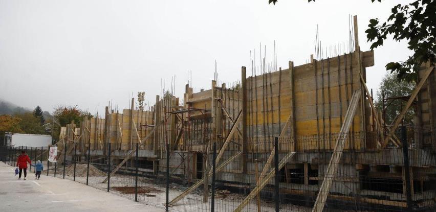 Stanari zaustavili gradnju između RS-a i Federacije u Sarajevu
