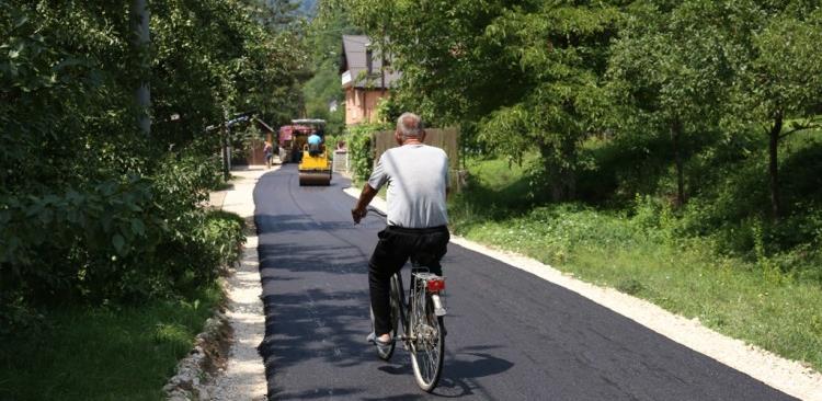 Mještani Dolipolja u Zenici će konačno imat asfaltirani put