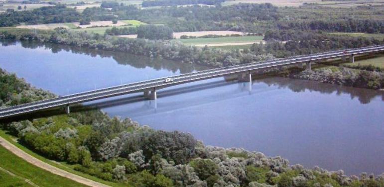 Međudržavni most na Savi kod Svilaja bit će izgrađen do kraja 2018. godine, u skladu s potpisanim ugovorom s izvođačem radova.
