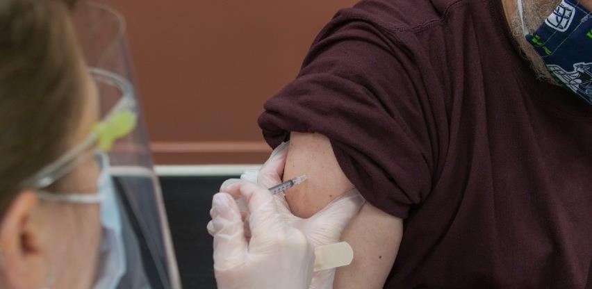 Više od milijun Europljana primilo dozu cjepiva protiv covida-19