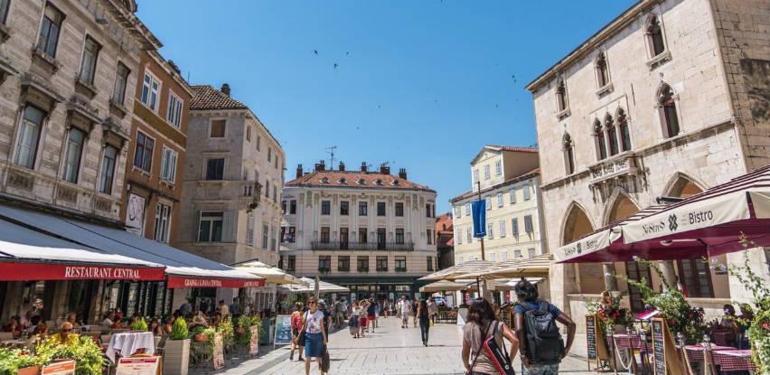 Broj dolazaka turista veći za 33,4 posto