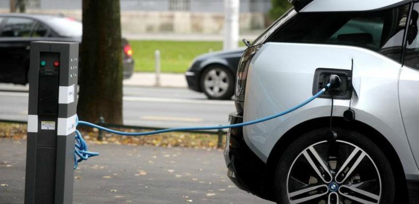 Za masovno prihvaćanje električnih vozila nužni su državni poticaji