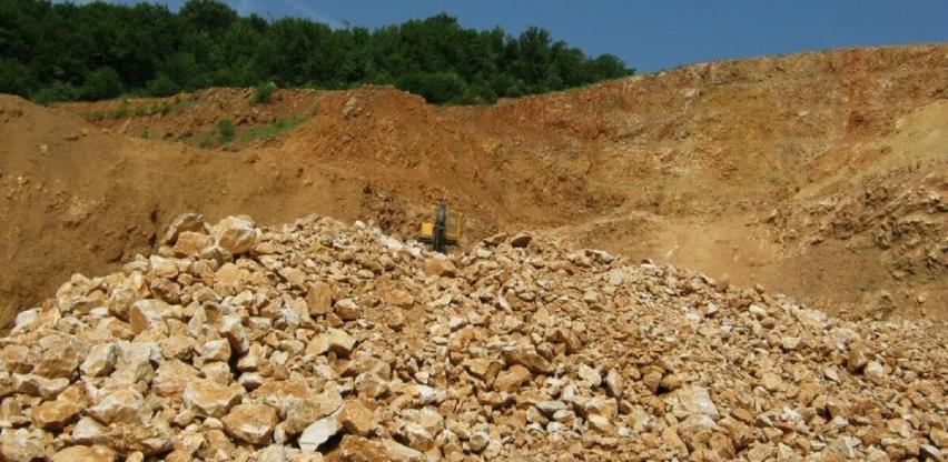 Firma koja eksploatiše kamen u Podorašcu godinama radi bez dozvole