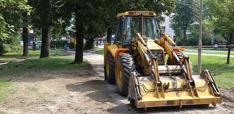 U zeničkom parku Papirna počela gradnja pješačkih staza od betonske galanterije