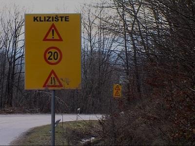 Kompanija E-Beganović radi na sanacija klizišta u naselju Johovica