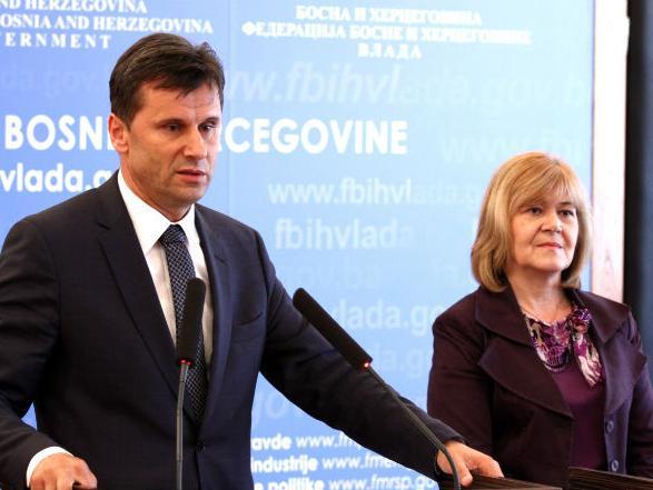 Snažno u reforme: Novalić predstavio model reorganizacije federalne uprave