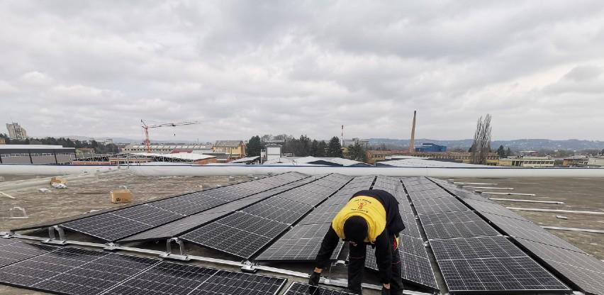 Korak bliže ekološkoj struji: U Čačku postavljena solarna elektrana na krov Naučno-tehnološkog parka