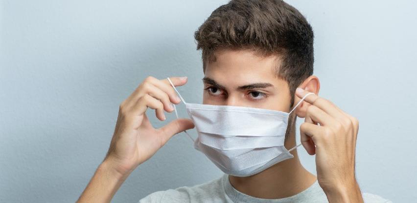 WHO: Kako sigurno staviti masku na lice (video)
