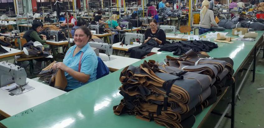 """Tekstilni pogon """"Trebinjka"""" bilježi uspjehe na tržištu, posao za još 20 radnika"""