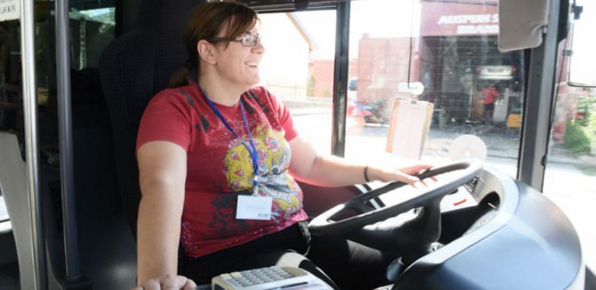 Dragana Šajinović ostvarila dječji san: Ženske ruke krote volan autobusa