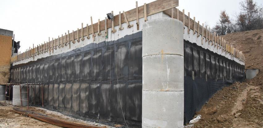 Radovi na izgradnji rezervoara Pertac I u Visokom teku planiranom dinamikom