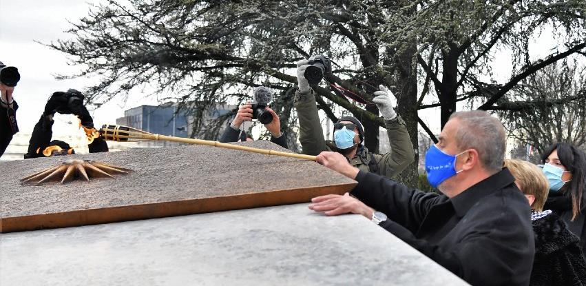 U Zagrebu otvoren Spomenik domovini, vječni plamen izradila firma Grizelj
