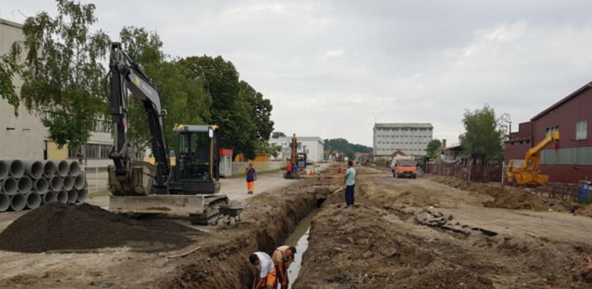 Nastavlja se izgradnja saobraćajnica u Industrijskoj zoni I u Gradačcu