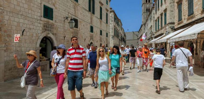 Hrvatska među zemljama s najvećim rastom broja noćenja turista u EU