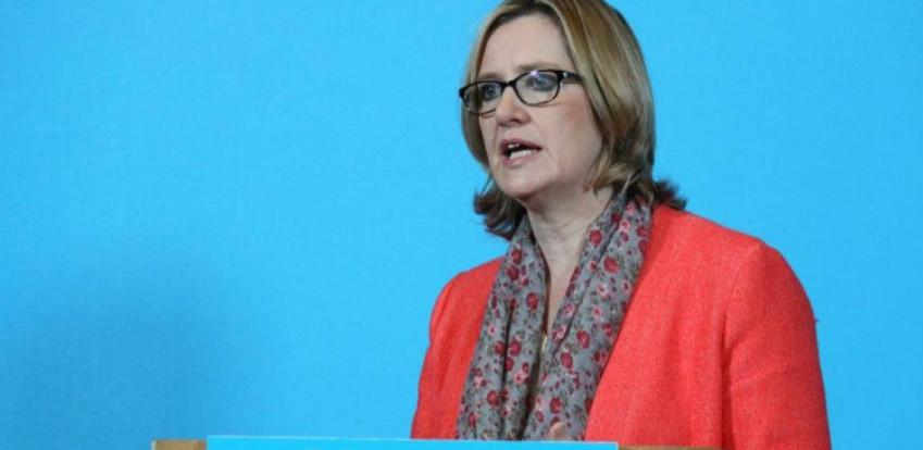 Britanska ministrica unutrašnjih poslova podnijela ostavku