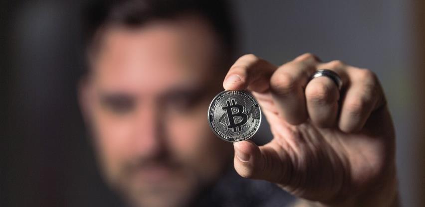 Bitcoin probio i razinu od 23.000 dolara