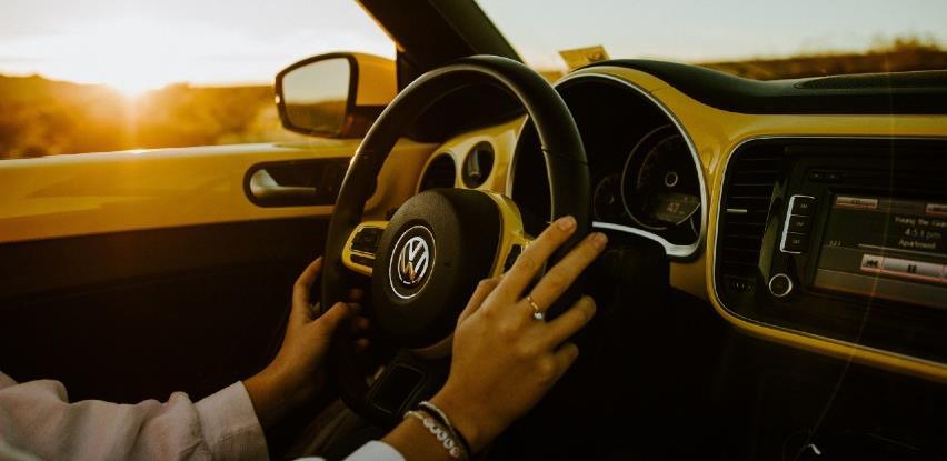 Kako držite volan u automobilu? To otkriva jeste li logičar, paničar…