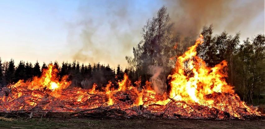 Požari u Europi: EU šalje zrakoplove, helikoptere i vatrogasce
