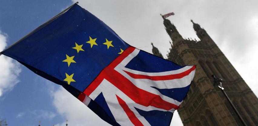 Evropski radnici u rekordnom broju napuštaju Britaniju zbog Brexita
