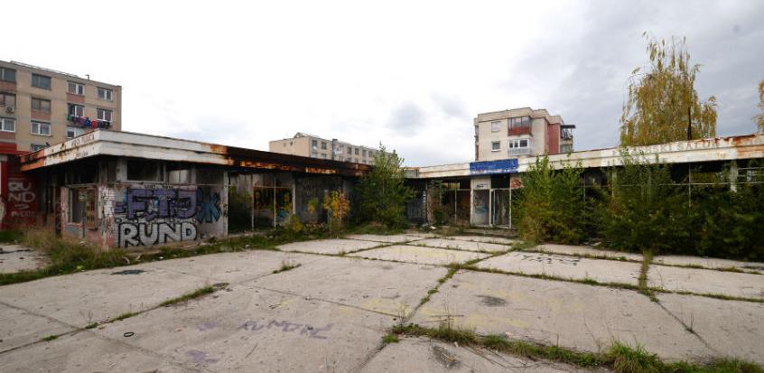 Počinje rušenje devastiranog objekta nekadašnje pijace u Švrakinom Selu