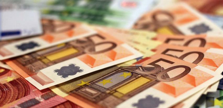 Analitičari: Euro raste, nadmašit će druge valute