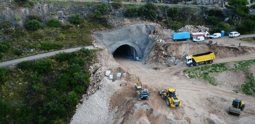 Bh. kompanije izvršile probijanje prvog tunela na otoku Braču