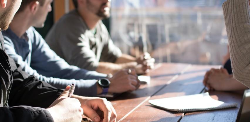 Strategije razvoja malih i srednjih preduzeća: Obnavljanje i rast preduzetničke djelatnosti