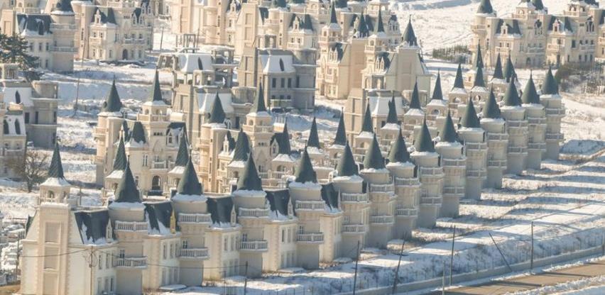 Burj Al Babas - Grad s 530 dvoraca u kojem niko ne živi