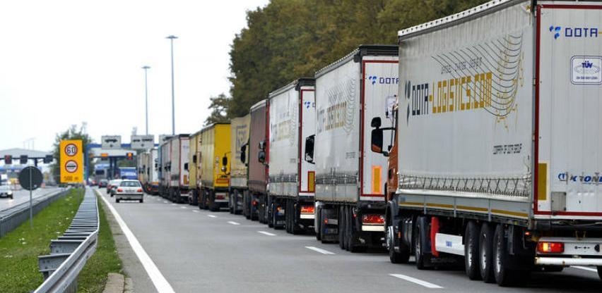Slovenija - U 2019. teška teretna vozila na dva pravca plaćaju višu cestarinu