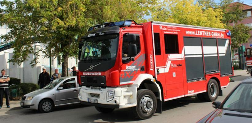 U Kalesiji predstavljeno prvo domaće vatrogasno vozilo