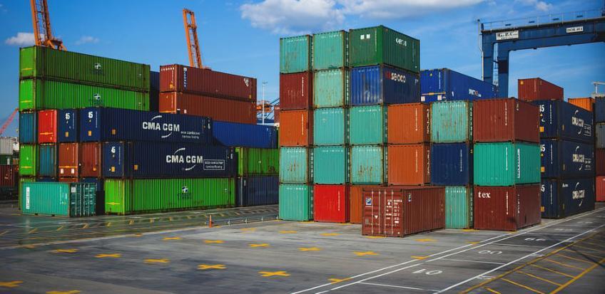 U septembru smanjen izvoz, povećan uvoz robe u RS