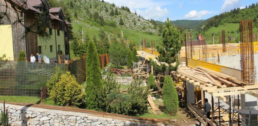 Napreduju radovi na projektu dogradnje škole u prirodi u Šabićima