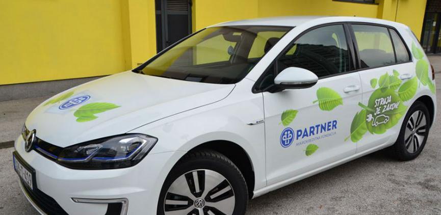 Partner mikrokreditna fondacija kupila vozilo na električni pogon