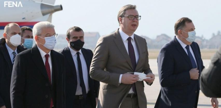 Predsjednik Srbije Aleksandar Vučić sletio u Sarajevo s donacijom vakcina