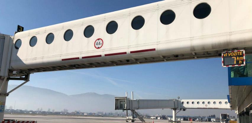 Sarajevski aerodrom nabavlja tri aviomosta, vrijednost tendera 5,3 miliona KM