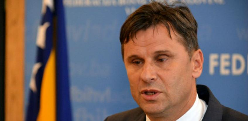 Novalić: Uzet ćemo 200 mil. KM od javnih tvrtki i graditi brze ceste
